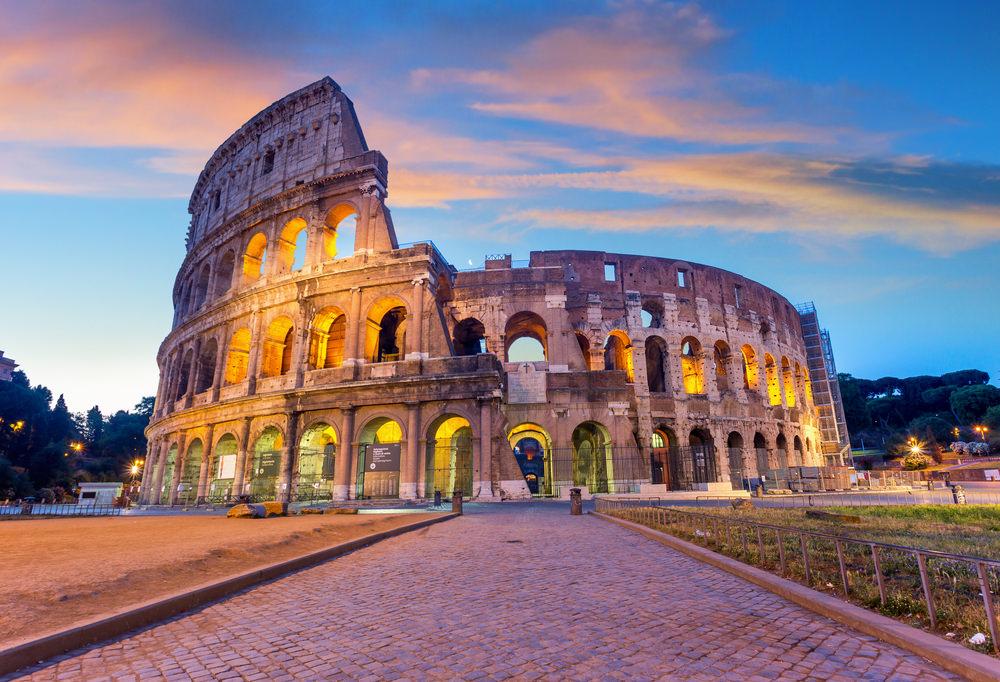 Roma in Vespa, Colosseo