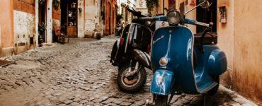 Roma in vespa