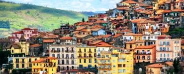 shutterstock 563318671 370x150 - Tour in moto dei Castelli Romani, itinerario su due ruote nel Lazio