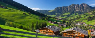 tirolo 543923905 370x150 - L'Austria in moto, itinerario a due ruote da Innsbruck a Linz