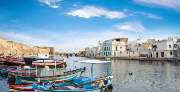 shutterstock 246721840 585x300 - Moto itinerario in Tunisia lungo la Costa del Corallo