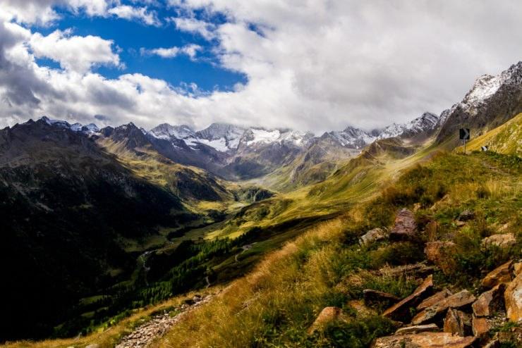 shutterstock 350267393 740x494 - BonzoTeam, Dolomiti Marathon 2015: in Austria tra il Passo Giovo e il Timmelsjoch