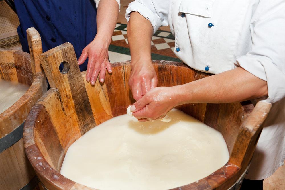 Mozzarella di bufala di Mondragone