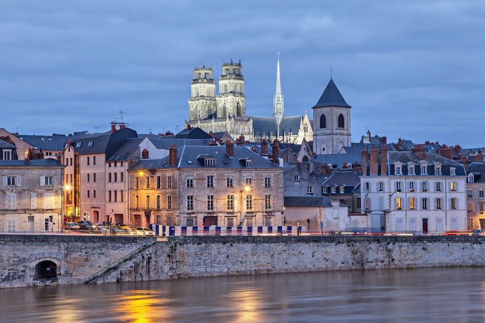 Loira in moto. Orleans