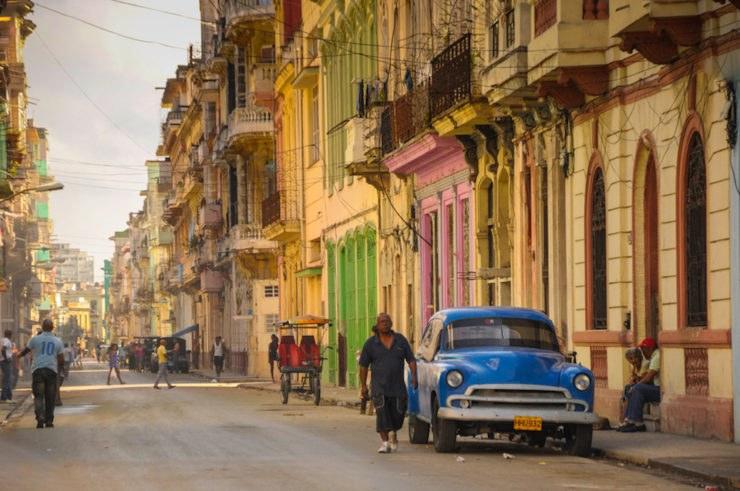 Cuba in moto