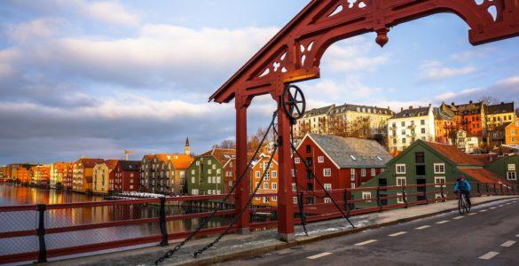 trondheim 585x300 - Monopoli vs. Nordkapp - Giorni 12 e 13, da Fauske a Trondheim