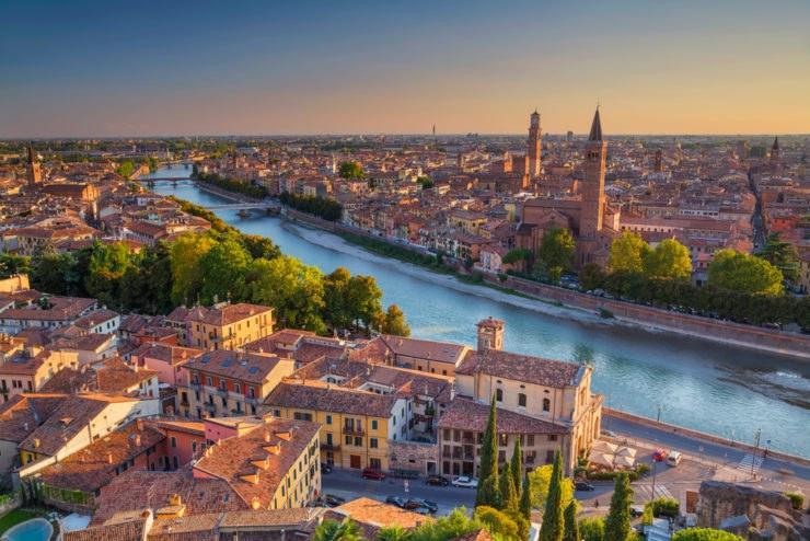shutterstock 521888305 740x494 - Giro in moto nel Veneto: il Basso Veronese e le strade del riso