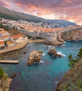 shutterstock 365423060 270x300 - In moto sulla Costa Adriatica, tra Durazzo e Dubrovnik