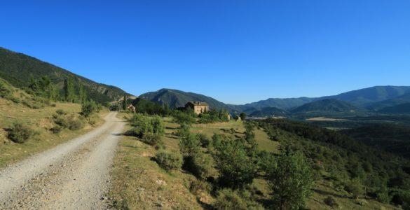 pirenei 585x300 - I Pirenei in moto: altri itinerari di montagna europei!