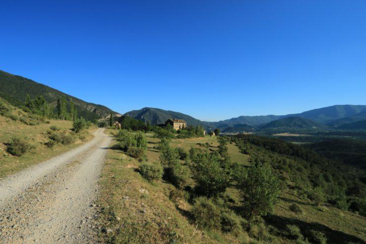 pirenei 740x494 - I Pirenei in moto: altri itinerari di montagna europei!