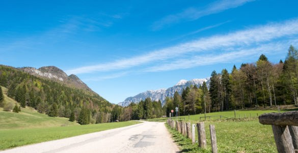 valsugana shutterstock 641699815 585x300 - Alla scoperta delle valli del Trentino: la Valsugana in moto