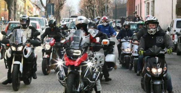 eventi motoraduni piemonte motoraduno eccellenza fossano 35 585x300 - Motoraduno Internazionale d'Eccellenza - Fossano (CN), 03-05 marzo