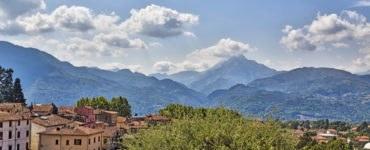 alpi apuane 370x150 - In moto per le Alpi Apuane: un itinerario tra la Toscana e la Liguria