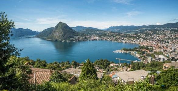 shutterstock 310459298 585x300 - Canton Ticino, in moto nella Svizzera Italiana
