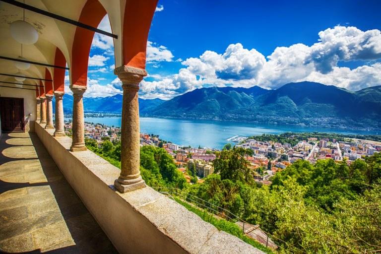 shutterstock 436821712 768x512 - Canton Ticino, in moto nella Svizzera Italiana