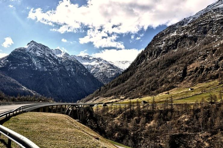 Passo del Sempione in moto, itinerario di viaggio sulle Alpi