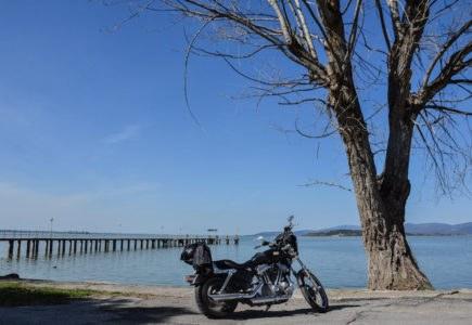 In moto sul Lago Trasimeno