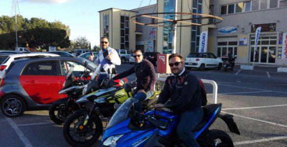 bonzo team suzuki 585x300 - In viaggio con Suzuki - Alla scoperta del Bonzo Team, i protagonisti del viaggio in moto in Cilento