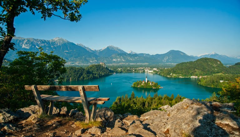 shutterstock 150599306 768x439 - Lago di Bled, la bellezza della Slovenia su due ruote