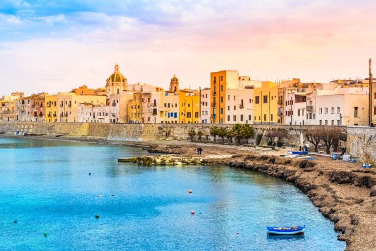shutterstock 263823614 768x513 - La costa trapanese in moto, itinerario di viaggio in Sicilia