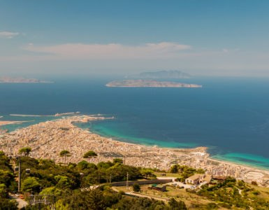 shutterstock 579363325 385x300 - La costa trapanese in moto, itinerario di viaggio in Sicilia