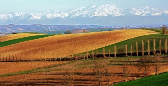 In moto nel Monferrato, tra le strade del Piemonte UNESCO