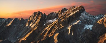 apuane shutterstock 600155573 370x150 - Dalle Alpi Apuane alla Versilia: un giorno in moto alla scoperta della Toscana