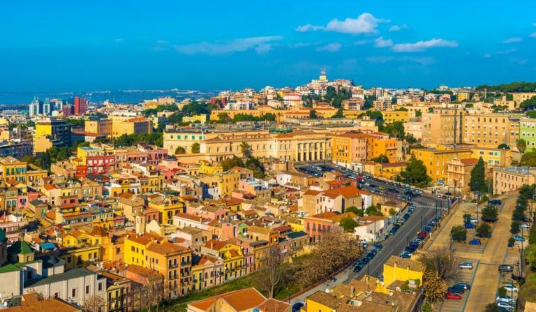 shutterstock 544066837 768x447 - Itinerario in moto lungo la costa meridionale della Sardegna