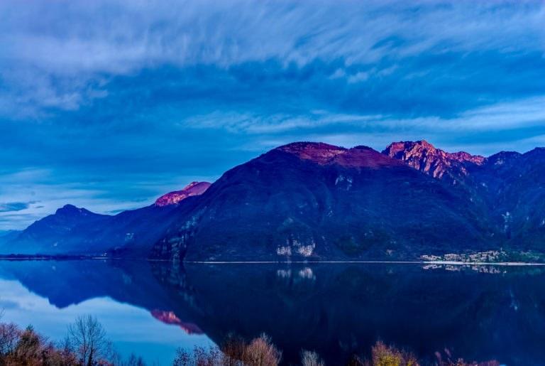 shutterstock 648079969 768x515 - Lago d'Idro in moto, viaggio tra le Alpi di Lombardia e Trentino