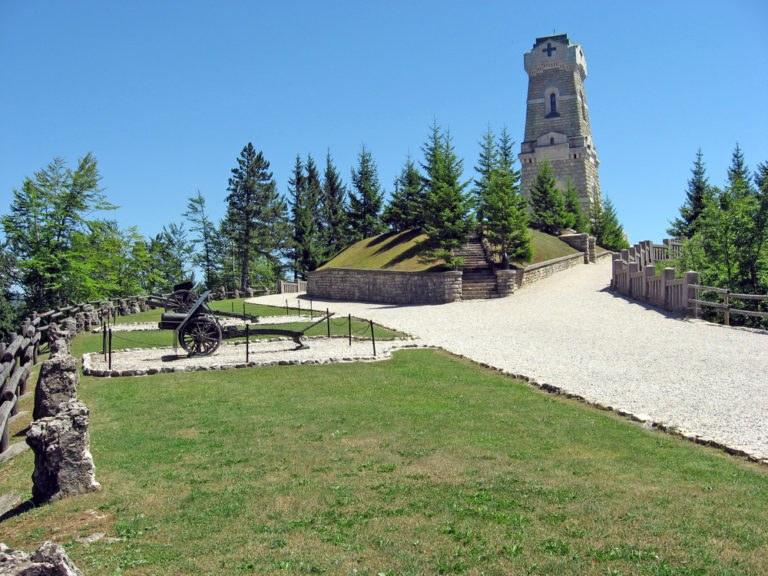 Pian della Fugazze 768x576 - La Strada delle 52 Gallerie e il Monte Pasubio in moto