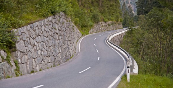kaunertal 152146184 585x300 - Kaunertaler Gletscherstraße, la strada panoramica delle Alpi austriache