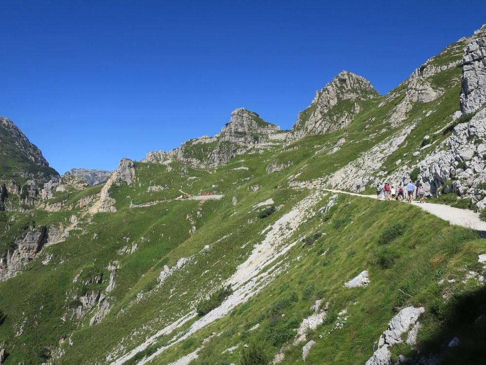Strada delle 52 gallerie al monte Pasubio, rifugio gen ...
