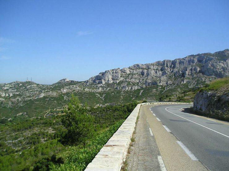 1280px Gineste 740x555 - Col de la Gineste, in moto sulla terrazza panoramica della Provenza