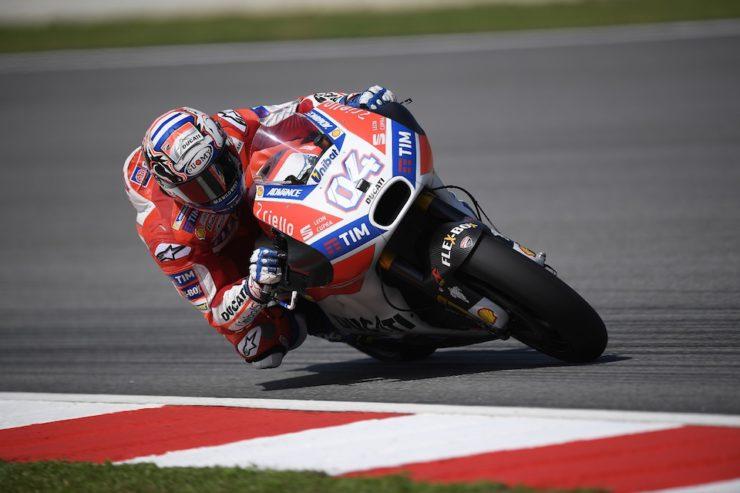 MotoGP 2017, Sepang: Dovizioso centra il successo