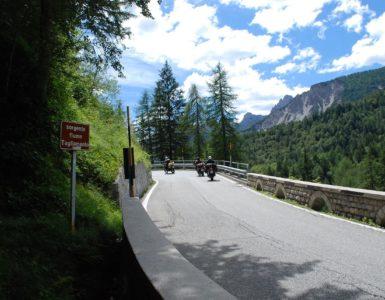 Passo Mauria in moto