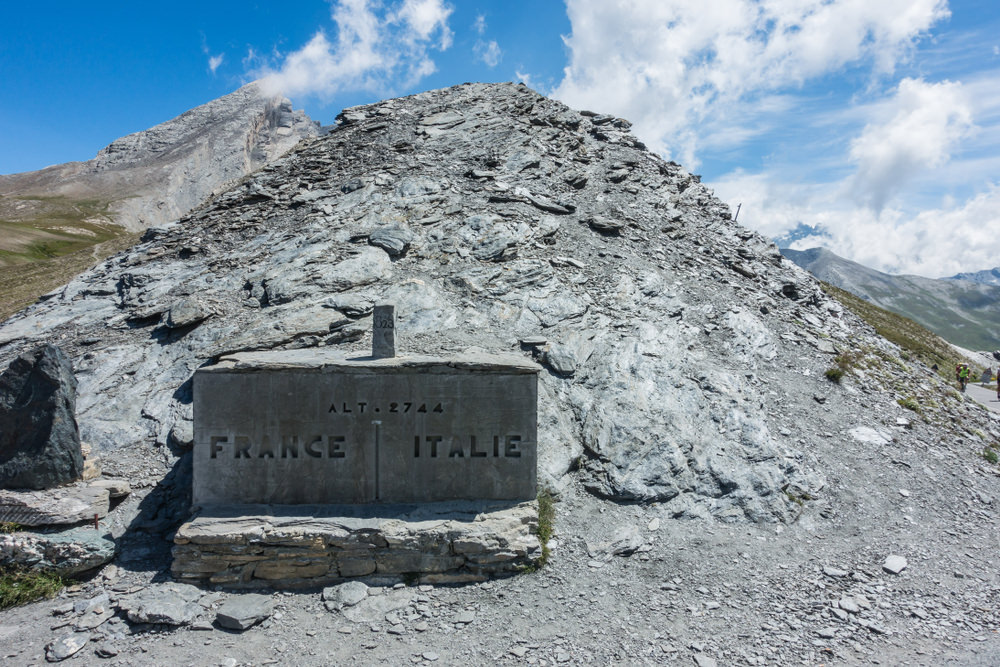 Colle dell'Agnello, confine