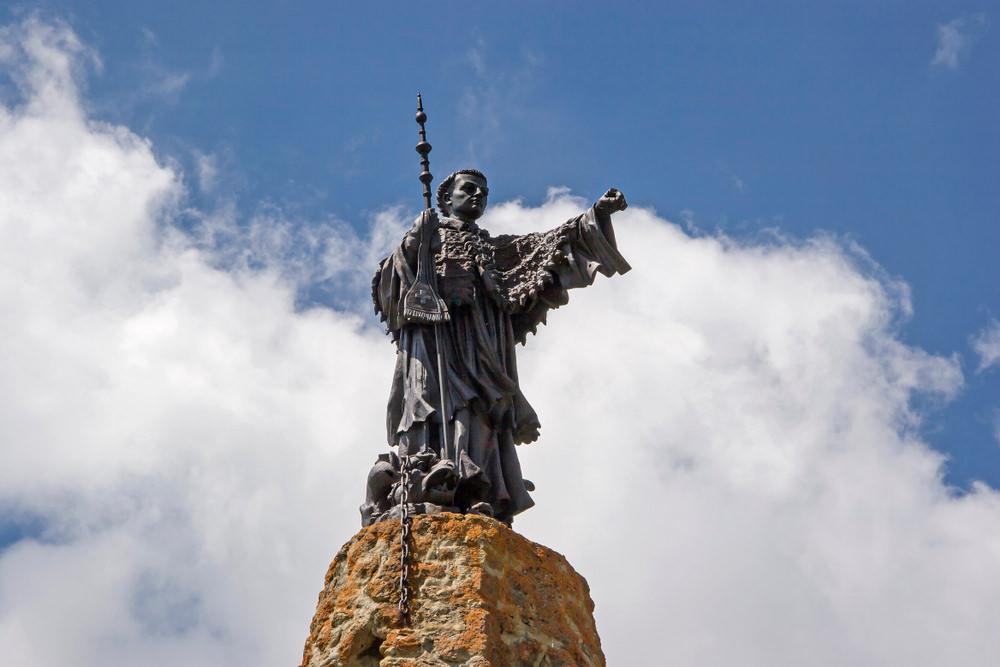Piccolo San Bernardo, statua