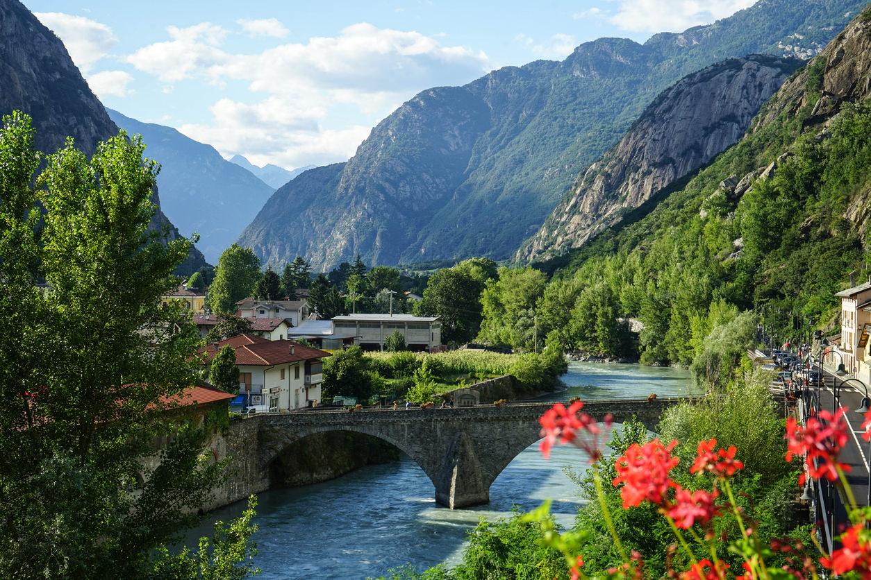 Cartina Fiumi Valle D Aosta.Dora Baltea Paesaggi D Autore In Valle D Aosta Trueriders