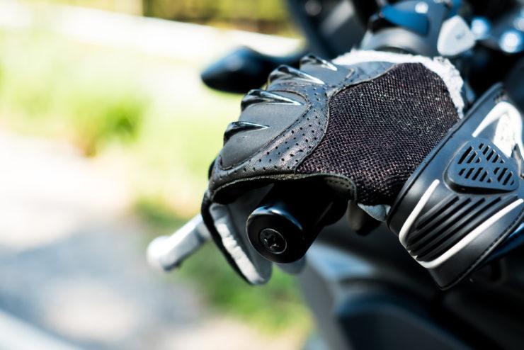 guanti estivi moto