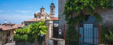 Neive - Sali a Borgo 2