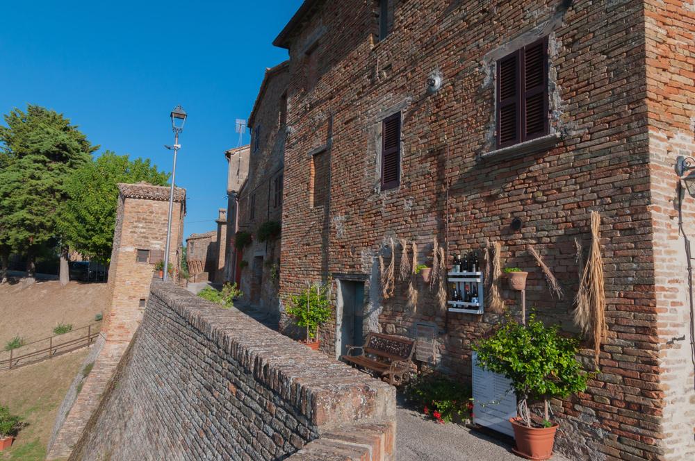 Nove castelli di Arcevia, Loretello