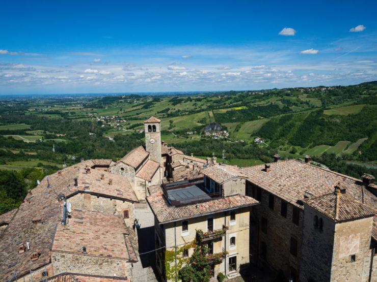 Vigoleno, Sali a Borgo