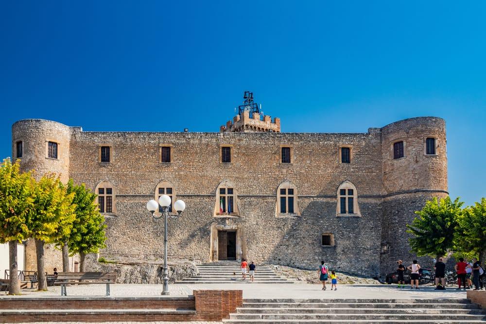 Castello Piccolomini, Capestrano